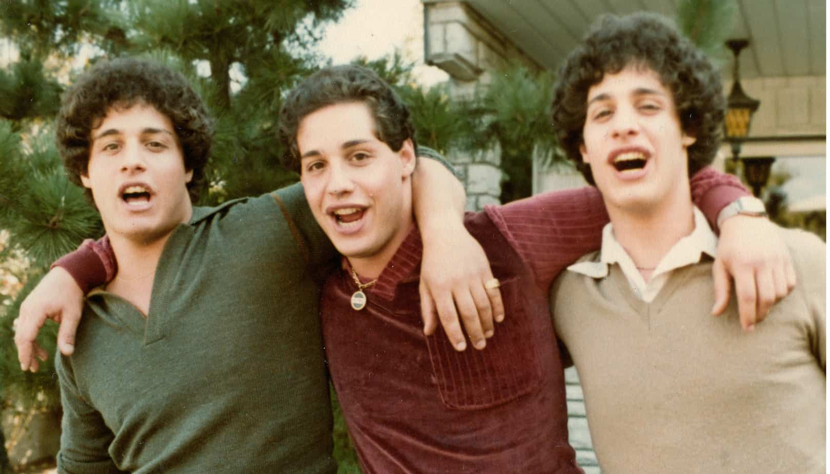 Crítica | Três Estranhos Idênticos é documentário mais estranho que a ficção