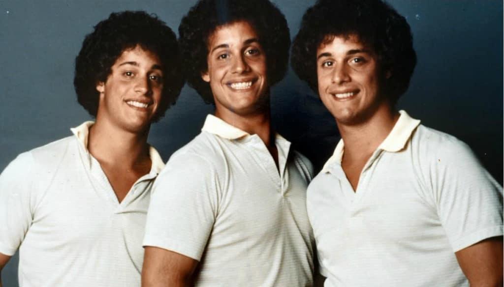 Cena do documentário Três Estranhos Idênticos (Three Identical Strangers)